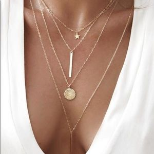 Jewelry - Boho Gold Layered bar disc necklace